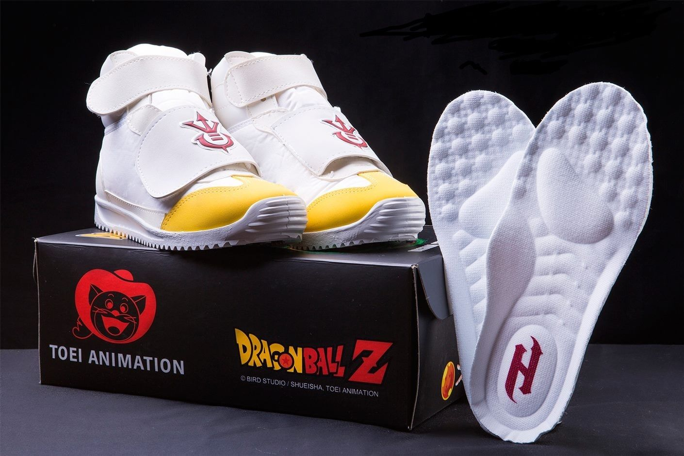 yes-there-are-actually-official-dragon-ball-z-sneakers-2-146902